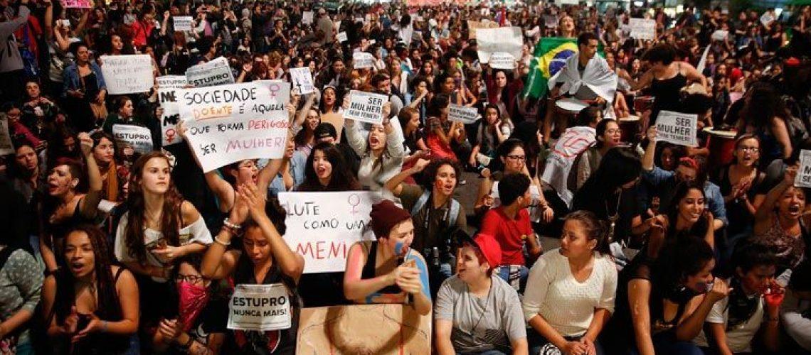 mientras-tanto-hay-marchas-multitudinarias-exigiendo-no-solo-justicia-para-la-joven-sino-tambien-proteccion-para-todas-las-mujeres-en-redes-las-protestas-se-concentraron-con-el-hashtag-estup-g9